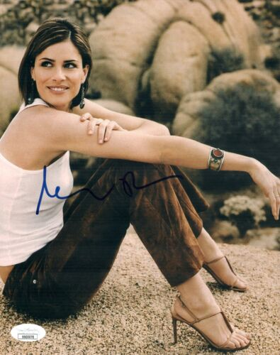 AMANDA PEET Signed SEXY HIGH HEELS 8x10 Photo Autograph JSA COA