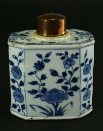 = Antique 1735-1796 QIANLONG Qing Chinese Porcelain Tea Caddy Octagon Flow Blue