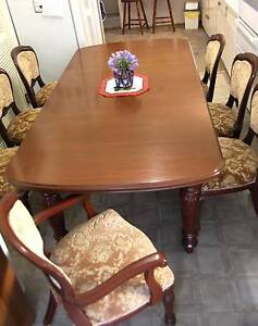 Lovely Solid Dining Table and Chairs Bomaderry Nowra-Bomaderry Preview