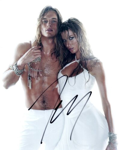 Travis Fimmel Signed Autograph 8x10 Photo Vikings Shirtless Hot Model COA