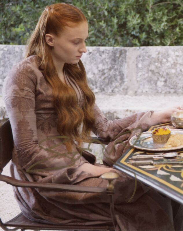 "Sophie Turner ""Game of Thrones"" AUTOGRAPH Signed 8x10 Photo ACOA"