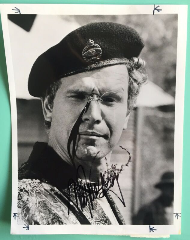 Wayne Rogers Signed Smudged Signature Photo 7X9 TV Trapper John McIntyre M*A*S*H