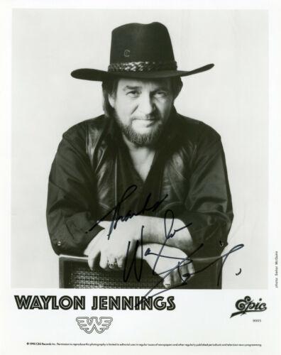 Waylon Jennings hand signed 8x10 Press Photo
