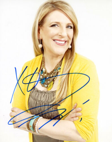 """Lisa Lampanelli """"Queen of Mean"""" AUTOGRAPH Signed 8x10 Photo D"""