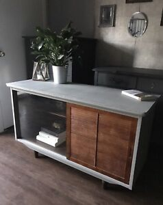 Vintage MCM Media Console/Buffet/Bookcase