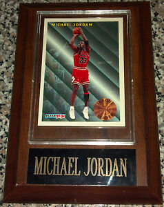 1993-1994-Fleer-League-Leaders-Michael-Jordan-Trading-Card-on-Wood-Plaque-NMMT