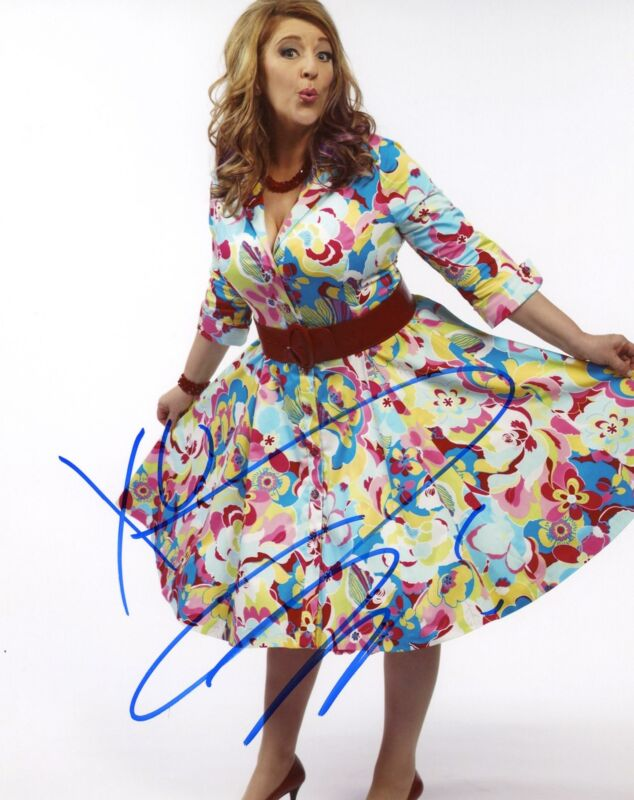 """Lisa Lampanelli """"Queen of Mean"""" AUTOGRAPH Signed 8x10 Photo C ACOA"""