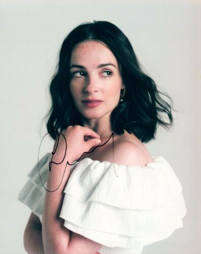 Laura Donnelly Signed Autographed 8x10 Photo OUTLANDER Actress COA