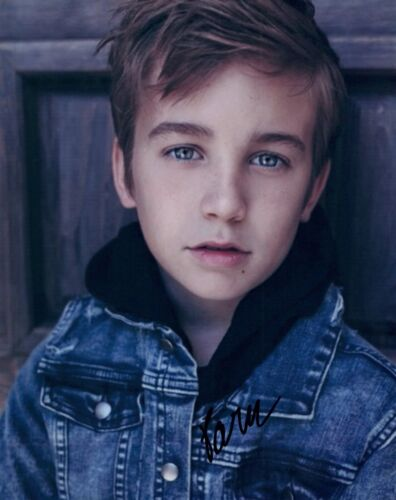 Parker Bates Signed Autographed 8x10 Photo Child Actor THIS IS US COA