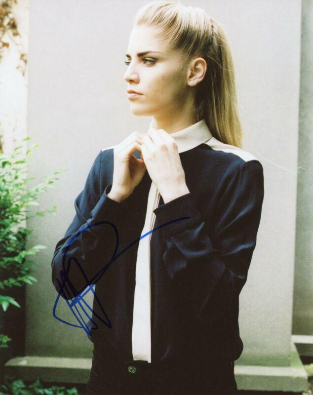 "Hannah Reid ""London Grammar"" AUTOGRAPH Signed 8x10 Photo C"