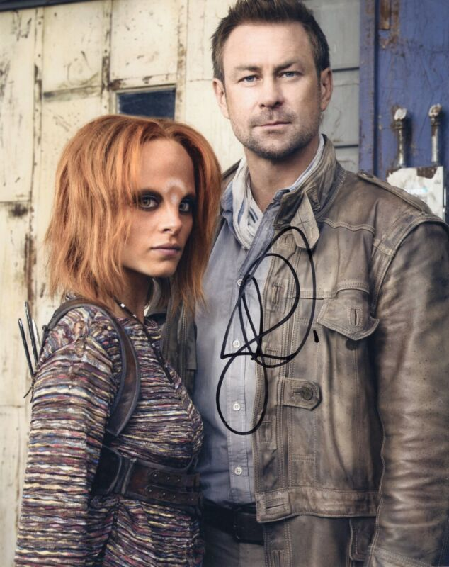 Grant Bowler Signed Defiance 8x10 Photo w/COA Chief Lawkeepe #3