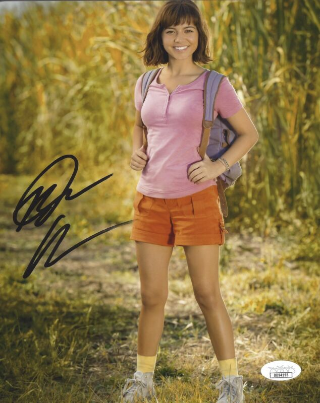Isabela Moner Signed 8x10 Photo - Dora The Explorer - JSA COA #2 +PROOF