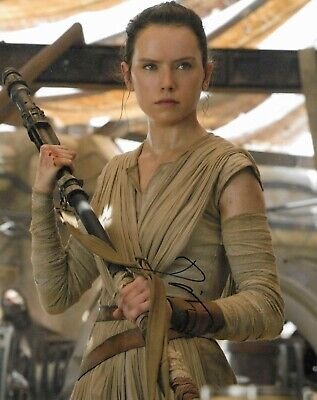 Daisy Ridley autograph - signed Star Wars photo