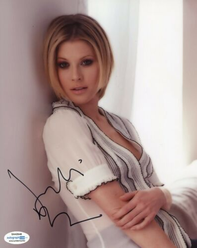 Julie Bowen Modern Family Autographed Signed 8x10 Photo ACOA  #2