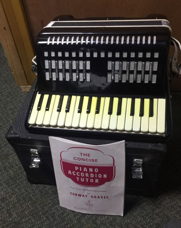 Accordion Of London With Box And Booklet
