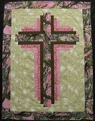"""Log Cabin Cross Quilt Top~PIECED~PATCHWORK~""""Pink Camo"""" Baby, Wall, Lap  30X40"""