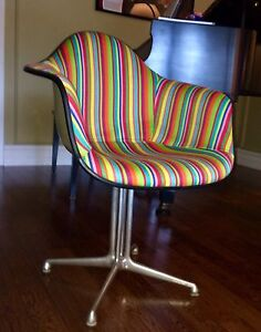 Mid Century Eames Herman Miller Arm Shell Chair  London Ontario image 7