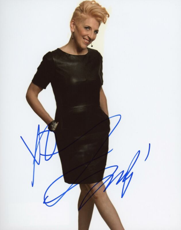"""Lisa Lampanelli """"Queen of Mean"""" AUTOGRAPH Signed 8x10 Photo B ACOA"""