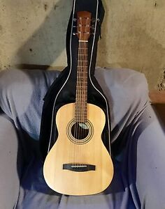 Perfect travel small body acoustic fender guitar
