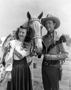 ROY ROGERS AND DALE EVANS 8X10 GLOSSY PHOTO PICTURE