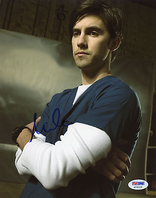 Milo Ventimiglia Signed 8X10 Psa Dna Coa Photo Auto Autograph Autographed Pose 2