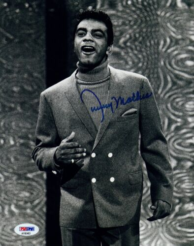 Johnny Mathis Signed Autographed 8x10 Photo PSA/DNA COA