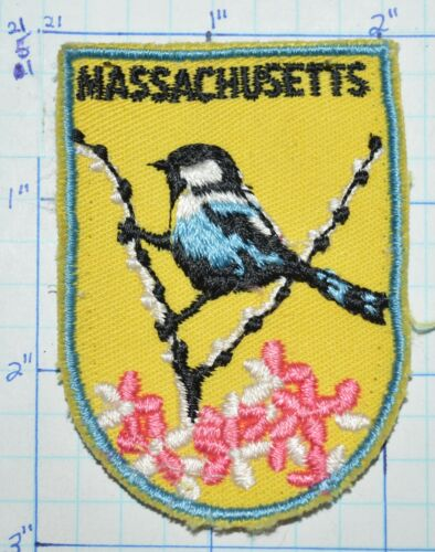 MASSACHUSETTS STATE BIRD CHICKADEE MAYFLOWER VINTAGE SOUVENIR PATCH