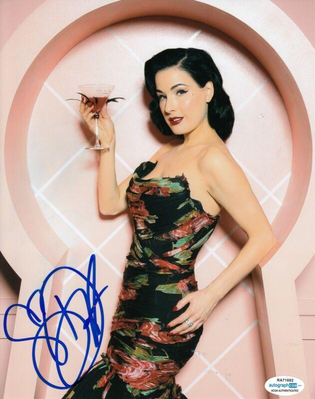 DITA VON TEESE signed (BURLESQUE DANCER) Sexy 8X10 photo autographed ACOA #6