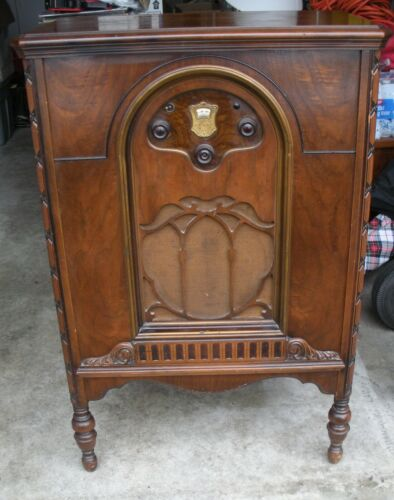 Vtg 1929 Atwater Kent 55 Radio Console With Red Lion Cabinet! Works!
