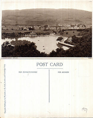1927 PANORAMIC VIEW  LLANDRINDOD WELLS POWYS WALES UNUSED POSTCARD
