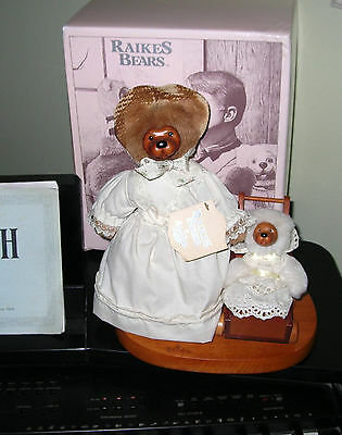 1990 Mother's Day by Robert Raikes Bears with Box