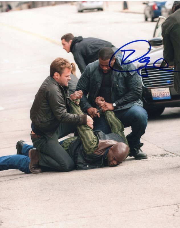 LaRoyce Hawkins signed 8x10 Photo w/COA Chicago Fire Med P.D. Kevin Atwater