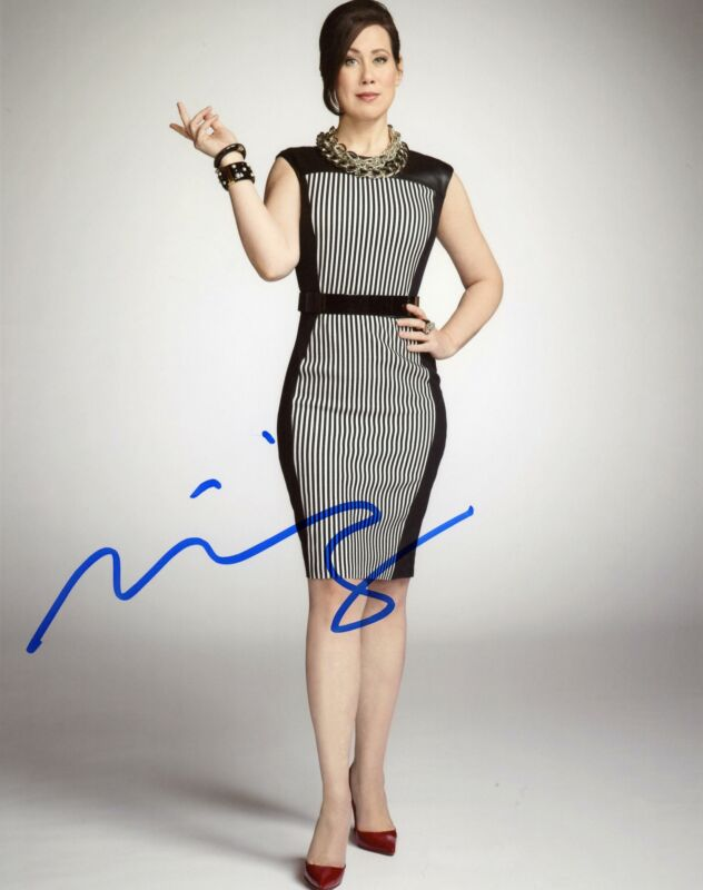 "Miriam Shor ""Younger"" AUTOGRAPH Signed 8x10 Photo B"