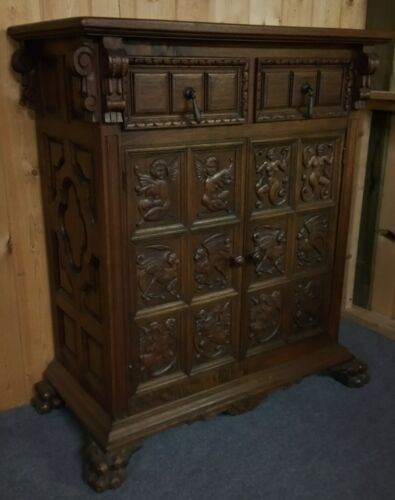 WONDERFUL WALNUT CLAWFOOT CARVED CHEST WITH 2 DOORS & 2 DRAWERS