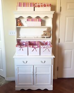 Adorable bookcase and cabinet with 6 co-ordinated baskets