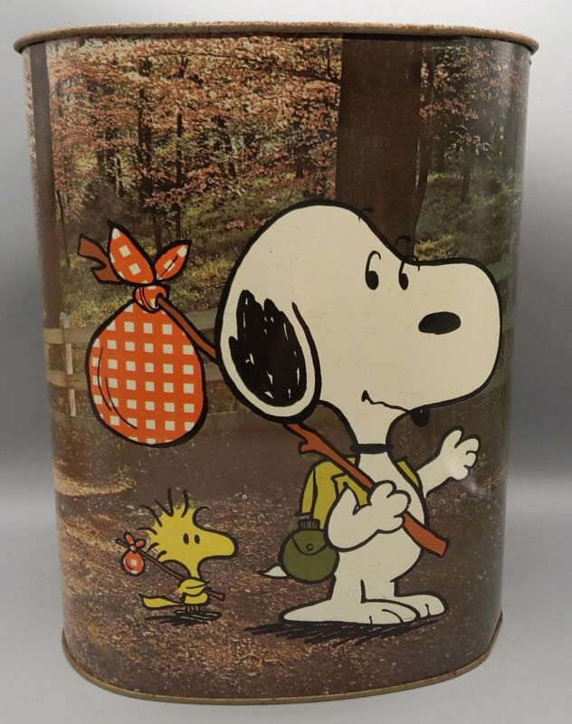 1978 Peanuts Charlie Brown, Snoopy, and Woodstock Cheinco Metal Trash Can