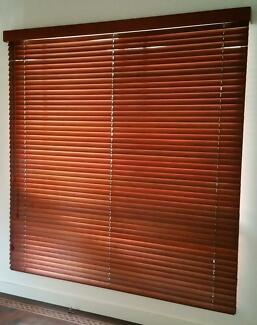 Timber Venetian Blinds - VGCondition-Free Delivery-See Conditions