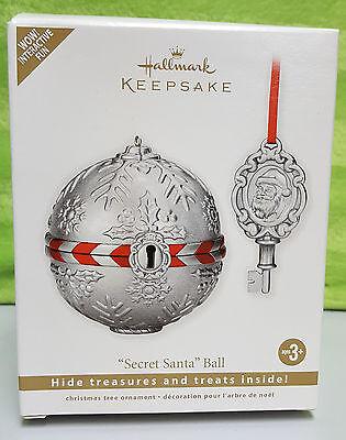 2011 Hallmark Keepsake Ornament Secret Santa Ball w/ key - NEW Hide treasures