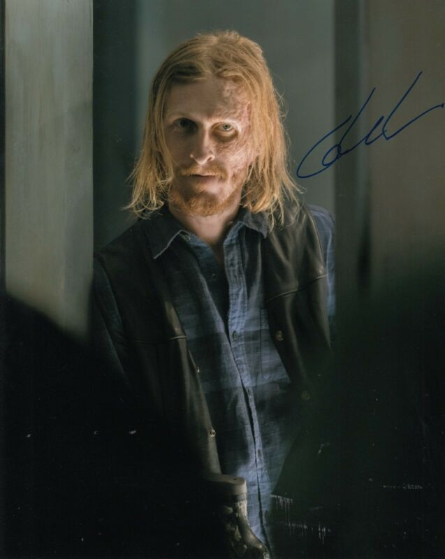 AUSTIN AMELIO signed (THE WALKING DEAD) TWD 8X10 photo *DWIGHT* W/COA #10