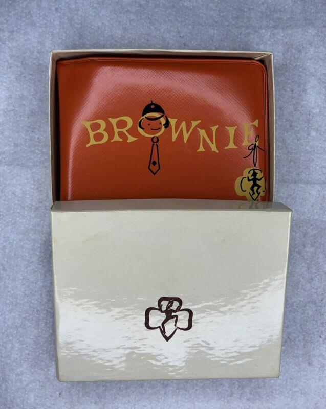 Vintage Girl Scouts Brownie Orange Padded Vinyl Wallet New In Box 11-6583