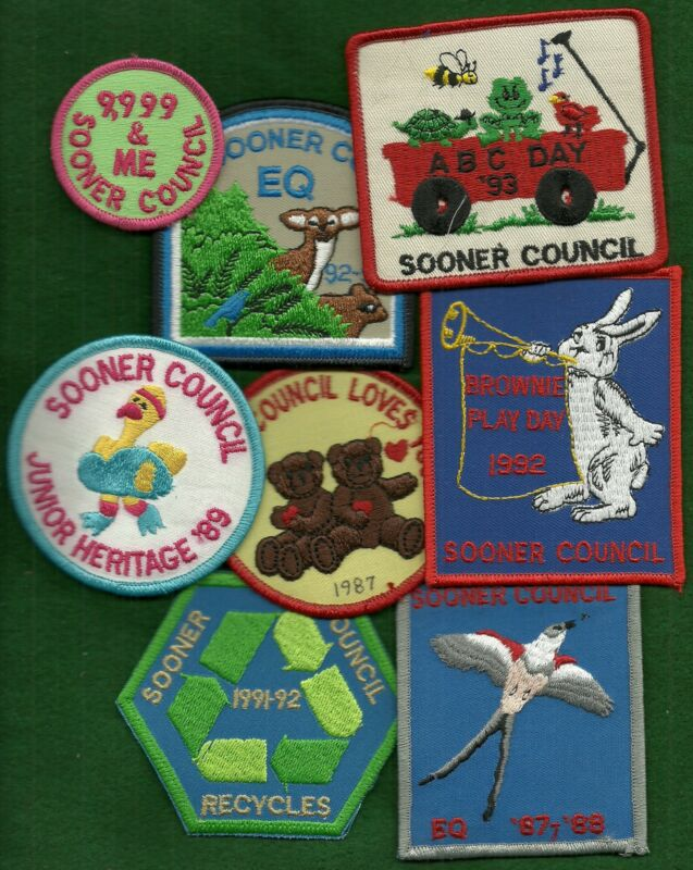 LOT OF GIRL SCOUT BADGES