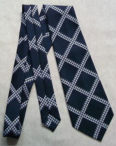 VINTAGE-NAVY-BLUE-WHITE-CHECKED-WIDE-TIE-ST-MICHAEL-RETRO-1960S-1970S-MOD