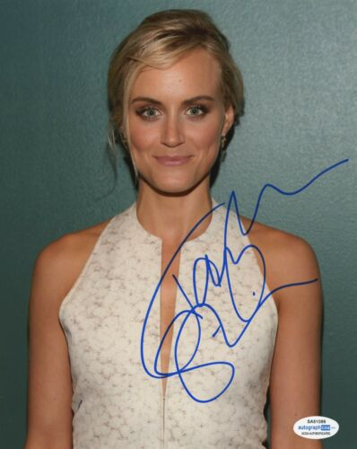 Taylor Schilling Orange is the New Black Autographed Signed 8x10 Photo COA