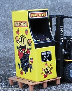 Pac Man Arcade Game Miniature 1/24 Scale G Scale Diorama Accessory Item