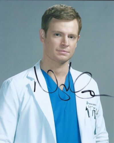 Nick Gehlfuss Signed Autographed 8x10 Photo Chicago Med C