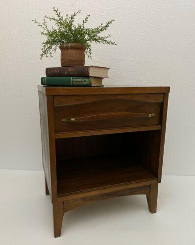 Mid Century Modern Nightstand Kroehler End Table Walnut Danish Storage Drawer