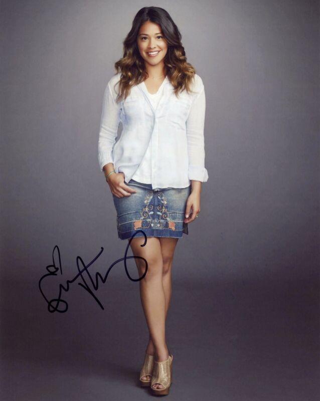 "Gina Rodriguez ""Jane the Virgin"" AUTOGRAPH Signed 8x10 Photo F ACOA"