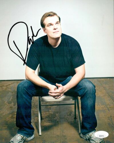 DAVID HARBOUR Signed STRANGER THINGS BLACK WIDOW 8x10 Photo Autograph JSA COA