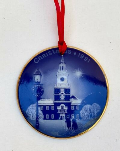 BING & GRONDAHL1991 Christmas Plaque Ornament | Independence Hall, Denmark