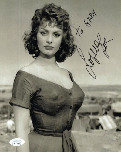 SOPHIA LOREN HAND SIGNED 8x10 PHOTO     YOUNG+VERY SEXY POSE    TO GARY      JSA